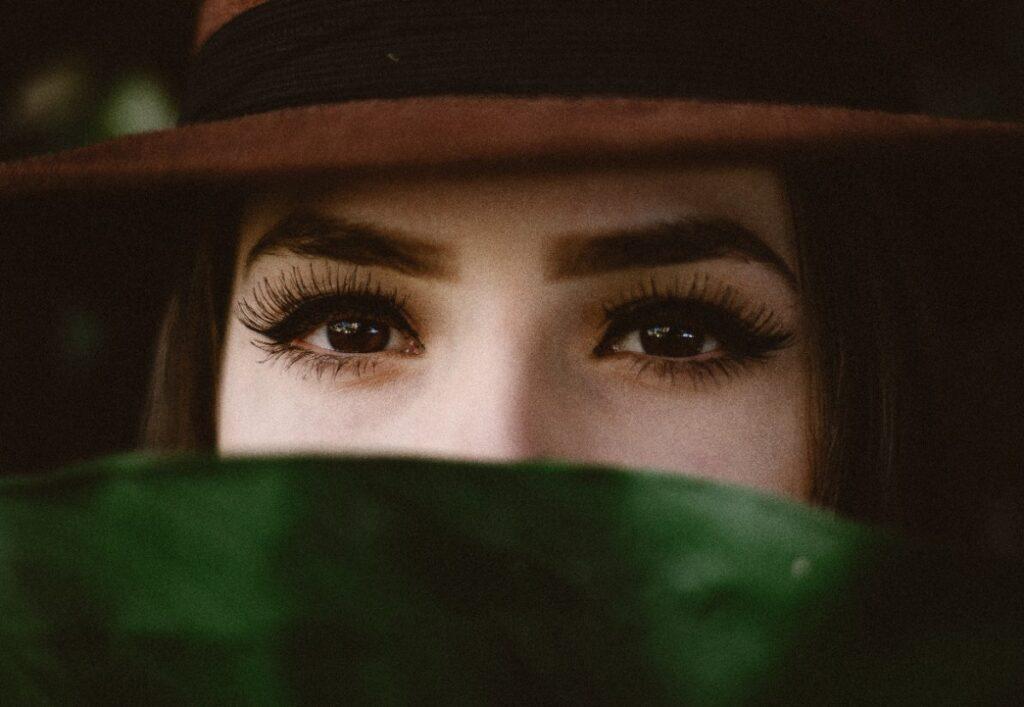 kunstige øjenvipper